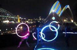 sydney-vivid-festival-hooping